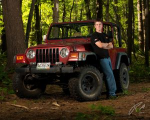 Robert Akers Photography Senior Portrait and Jeep